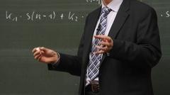 Ostrów Mazowiecka - Nauczyciele urodzeni po 1948 r. mogą ubiegać się o emeryturę