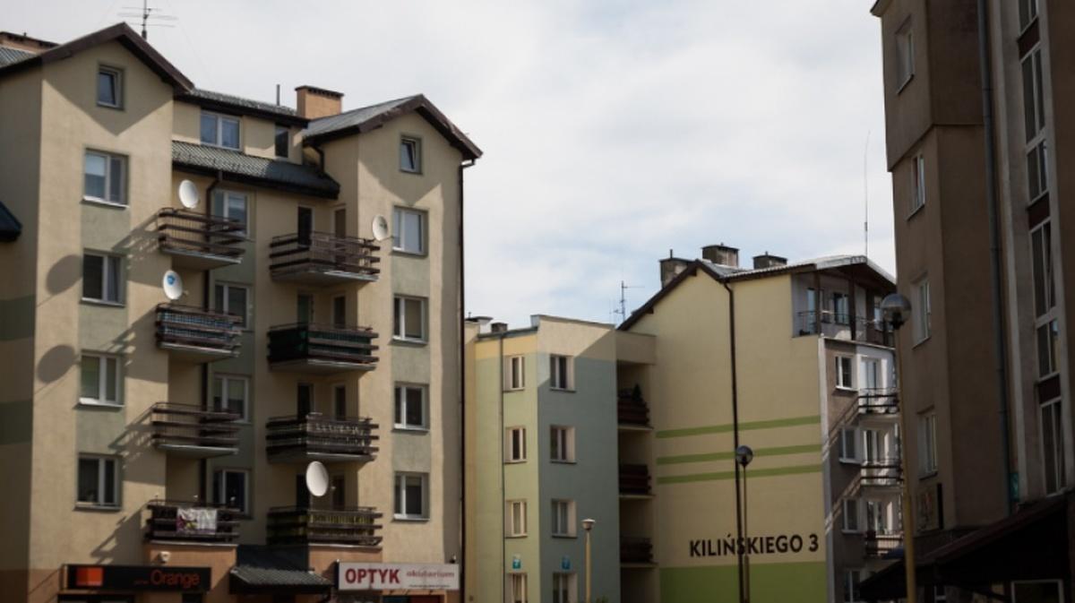 Ostrów Mazowiecka - Mieszkaniec gminy Nur chciał popełnić samobójstwo. 32-latek
