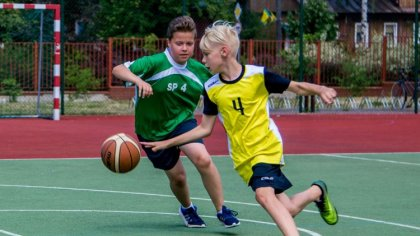 Ostrów Mazowiecka - Uczniowie ostrowskich szkół rozegrali ostatnie zawody sporto