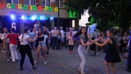 Ostrów Mazowiecka - Kilkaset osób wzięło udział w czwartkowej Gali Disco Polo zo