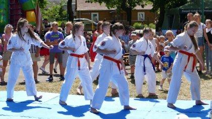 Ostrów Mazowiecka - Klub Karate Kyokushin Ronin pokazali swoje umiejętności podc