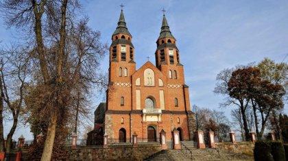 Ostrów Mazowiecka - Duszpasterze i parafianie sanktuarium pod wezwaniem Narodzen
