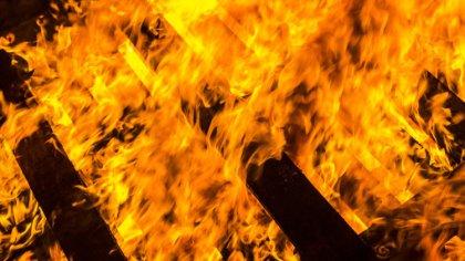 Ostrów Mazowiecka - Do pożaru stodoły drewnianej zbudowanej z bala doszło wczora
