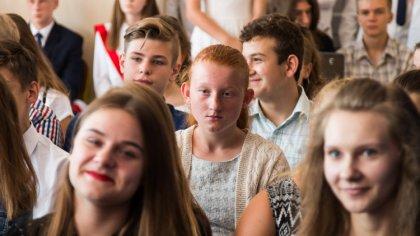 Ostrów Mazowiecka - Uczniowie klas gimnazjalnych i klas VII Szkoły Podstawowej n