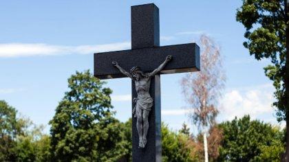 Ostrów Mazowiecka - W ostatnich dniach do wieczności odeszli:Irena Brzózka zamie