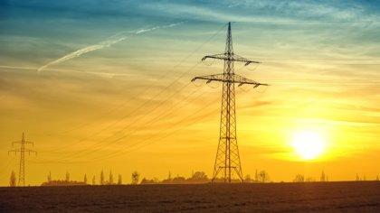 Ostrów Mazowiecka - Kilka tysięcy gospodarstw domowych nie miało prądu po piątko