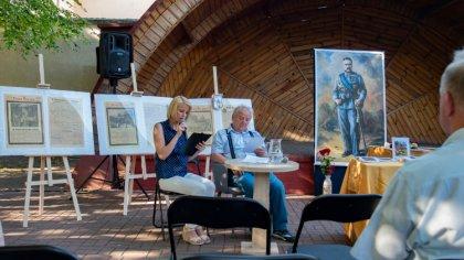 Ostrów Mazowiecka - Po raz kolejny klub dyskusyjny działający przy Miejskiej Bib