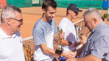 Ostrów Mazowiecka - Sylwester Puchalski wygrał tenisowy turniej Masters kończący