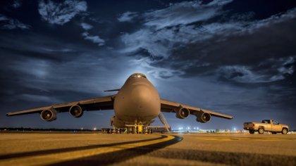 Ostrów Mazowiecka - Boeing 767 linii Blue Panorama wylądował awaryjnie na lotnis