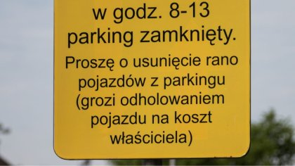 Ostrów Mazowiecka - Na parkingu przy kościele pod wezwaniem Wniebowzięcia Najświ