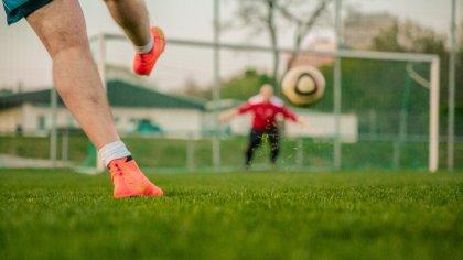 Ostrów Mazowiecka - Polski Związek Piłki Nożnej wspólnie z Klubem Sportowym Ostr