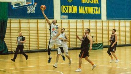 Ostrów Mazowiecka - Na hali przy ulicy Trębickiego koszykarze ostrowskiego Sokoł