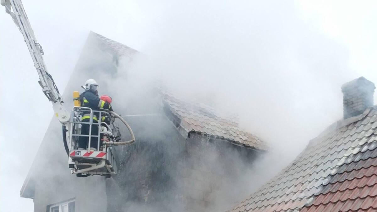 Ostrów Mazowiecka - Do pożaru dwóch budynków mieszkalnych doszło wczoraj przed p