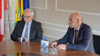 Ostrów Mazowiecka - Władze powiatu ostrowskiego spotkały się z przedstawicielami