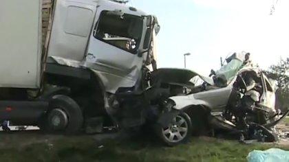 Ostrów Mazowiecka - Dwie osoby nie żyją i dwie są ranne po wypadku drogowym w Bł