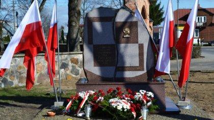 Ostrów Mazowiecka - Mieszkańcy gminy Brok przywrócili pamięć o tysiącach polskic