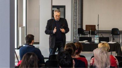 Ostrów Mazowiecka - Profesor Tadeusz Huciński wraz z Tomaszem Wilczewskim poprow