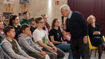 Ostrów Mazowiecka - Andrzej Wojakiewicz opowiedział młodzieży o swojej historii.