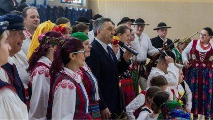 Ostrów Mazowiecka - Występy zespołów folklorystycznych i maraton zumby uświetnił