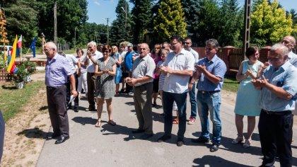 Ostrów Mazowiecka - W Trynosach odbyło się uroczyste przekazanie małej infrastru