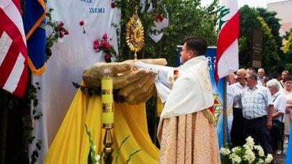 Ostrów Mazowiecka - Tradycyjnie w czwartek po oktawie Zesłania Ducha Świętego wi