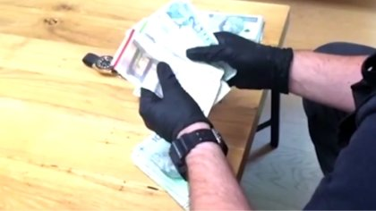 Ostrów Mazowiecka - Policjanci zatrzymali sześć osób, które nielegalnie handlowa