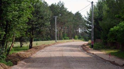 Ostrów Mazowiecka - Trwają prace przy przebudowie i rozbudowie drogi powiatowej