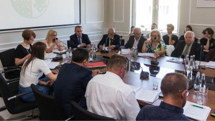 Ostrów Mazowiecka - Radni powiatu ostrowskiego ponownie zasiądą w sali konferenc
