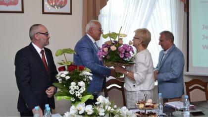 Ostrów Mazowiecka - Radni gminy Brok jednogłośnie udzielili burmistrzowi Markowi
