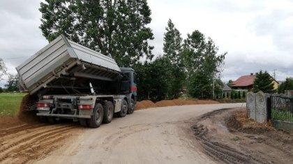 Ostrów Mazowiecka - Prowadzone są prace przy odbudowie drogi powiatowej nr 2601W