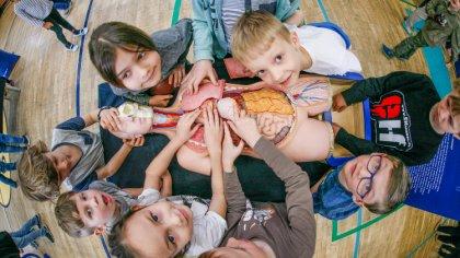 Ostrów Mazowiecka - 160 małych miejscowości w całej Polsce. 160 tys. dzieci, rod