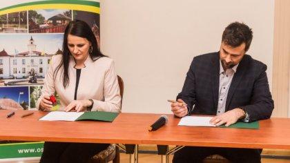 Ostrów Mazowiecka - W sali konferencyjnej miejskiego ratusza odbyło się uroczyst