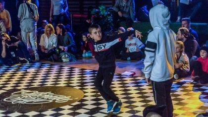Ostrów Mazowiecka - Trwają zmagania tancerzy podczas Ostrowskiego Stylu 2019, w