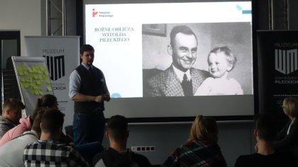 Ostrów Mazowiecka - Na kolejne warsztaty historyczne dla uczniów zaprosiło Muzeu