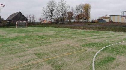 Ostrów Mazowiecka - Boisko sportowe znajdujące się przy Szkole Podstawowej w And