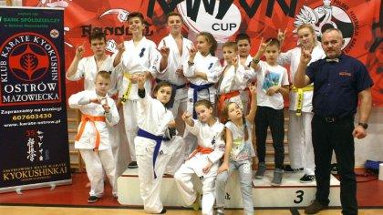 Ostrów Mazowiecka - Po raz kolejny zawodnicy Ostrowskiego Klubu Karate Kyokushin