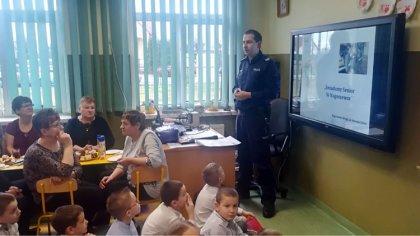 Ostrów Mazowiecka - Z okazji Dnia Babci i Dziadka w Publicznej Szkole Podstawowe