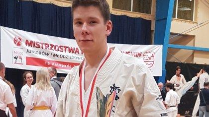 Ostrów Mazowiecka - Krzysztof Modzelewski to zawodnik MKKK Shinkyokushin, który