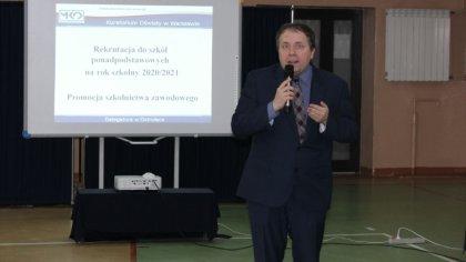 Ostrów Mazowiecka - Dyrektorzy szkół i placówek z powiatu ostrowskiego wzięli ud