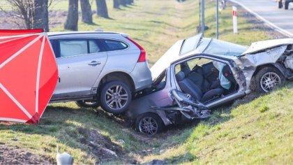 Ostrów Mazowiecka - Jedna osoba zginęła w poważnym wypadku z udziałem dwóch samo