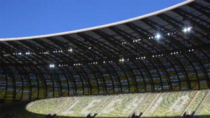 Ostrów Mazowiecka - Wobec paraliżu rozgrywek piłkarskich, UEFA stara się znaleźć