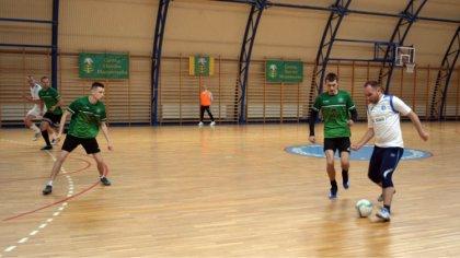 Ostrów Mazowiecka - W hali sportowej Publicznej Szkoły Podstawowej w Nagoszewie,