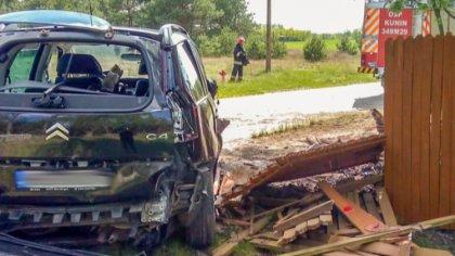 Ostrów Mazowiecka - Mieszkaniec powiatu ostrowskiego rozbił płot prywatnej poses