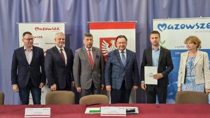 Ostrów Mazowiecka - Wójt Gminy Boguty-Pianki, 17 lipca, podpisał umowę z marszał