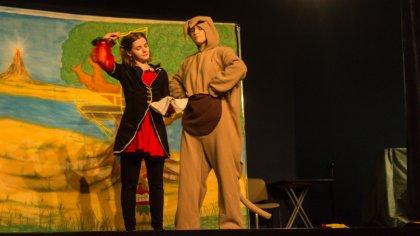 Ostrów Mazowiecka - W kinie Ostrovia odbył się spektakl teatralny dla dzieci pod