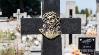 Ostrów Mazowiecka - W ostatnich dniach do wieczności odeszli: Bożena Modzelan,