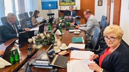 Ostrów Mazowiecka - Radni Mazowsza udzielili wczoraj zarządowi województwa wotum