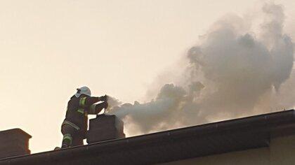 Ostrów Mazowiecka - Do pożaru sadzy kominowej doszło w niedzielę w miejscowości