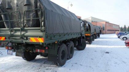 Ostrów Mazowiecka - Żołnierze Wojsk Obrony Terytorialnej dostarczyli 5 ton produ