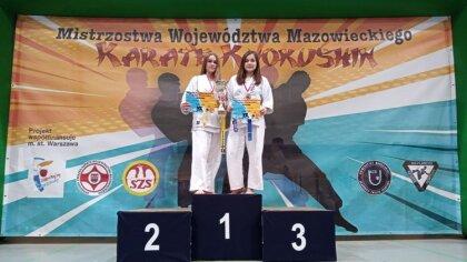 Ostrów Mazowiecka - Zofia Perzan i Oliwia Staniaszek z brokowskiego Klubu Karate
